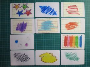 Les cartes décorées par les enfants.